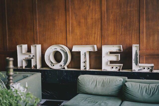 كيفية تحديد رؤية وأهداف الفندق