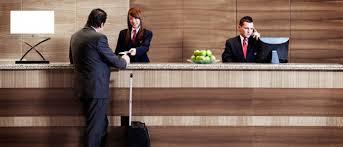 قواعد محادثات موظفي مكتب الاستقبال القياسية