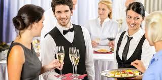 الوصف الوظيفي لخادم المأدبة في الفنادق