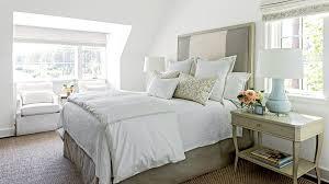 كيف تجعل غرفتك في الفندق تبدو أكبر